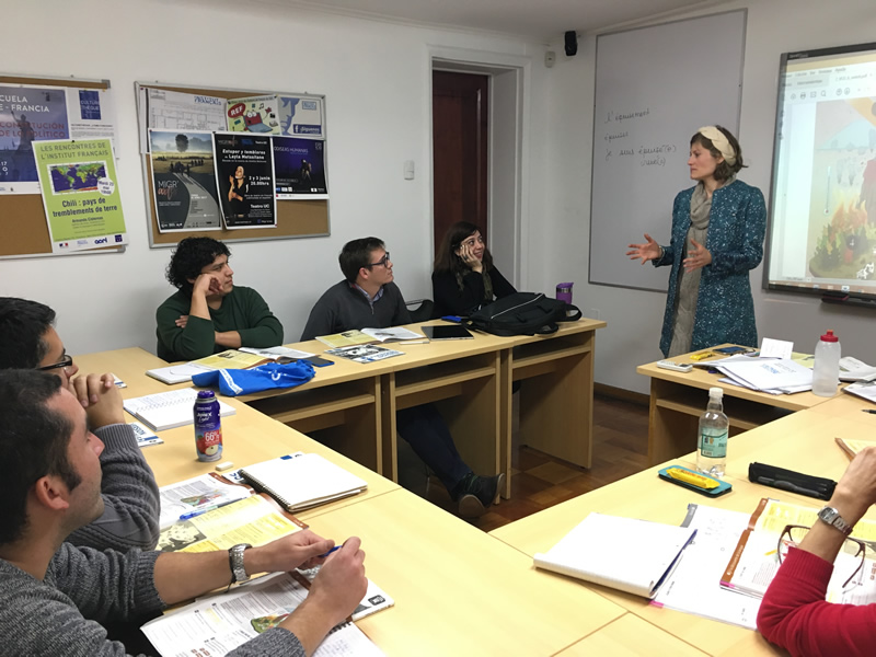 Atelier de formation pour les professeurs de l'Institut français avec Clélia Tavoillot, experte en didactique du conte