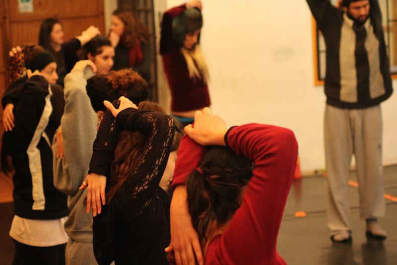Ateliers de danse animés par la danseuse et chorégraphe franco-sénégalaise Bintou Dembélé