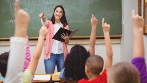 [:es]¿Eres docente? ¡Postula al diplomado de docencia en francés![:fr]Appel à candidatures pour la formation d'enseignement en français[:]